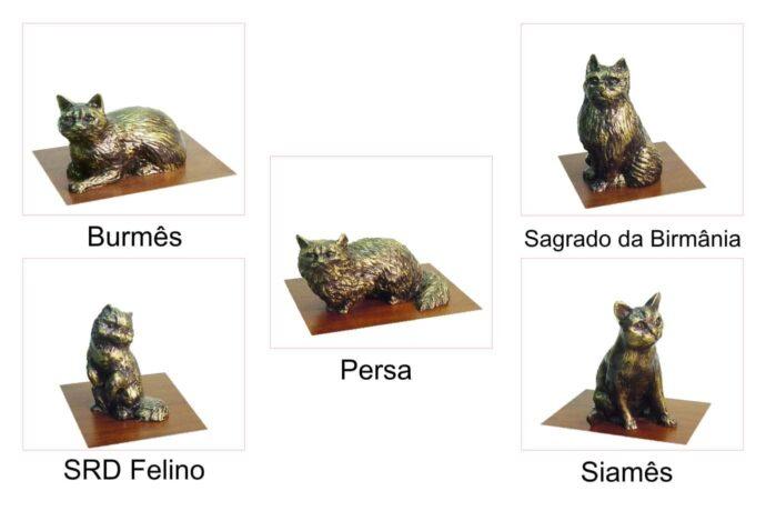 Miniaturas de animais, gatos de várias raças.